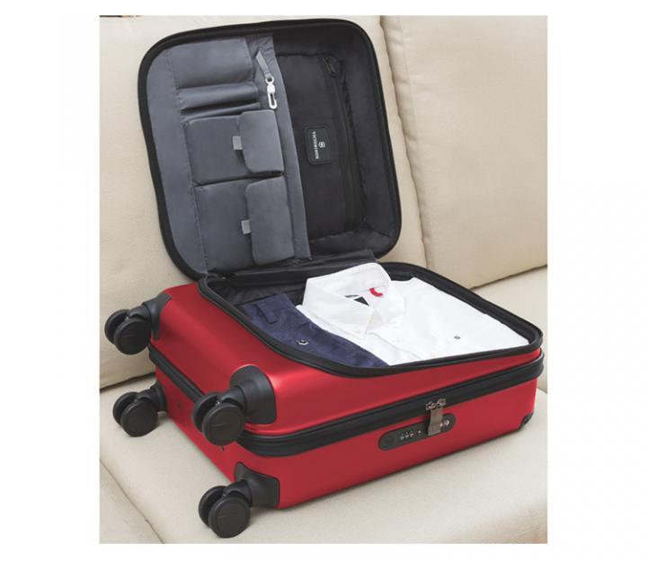 Victorinox kabinski kovček Spectra™ Dual-Access Extra-Capacity Carry-on, črn (31318101)