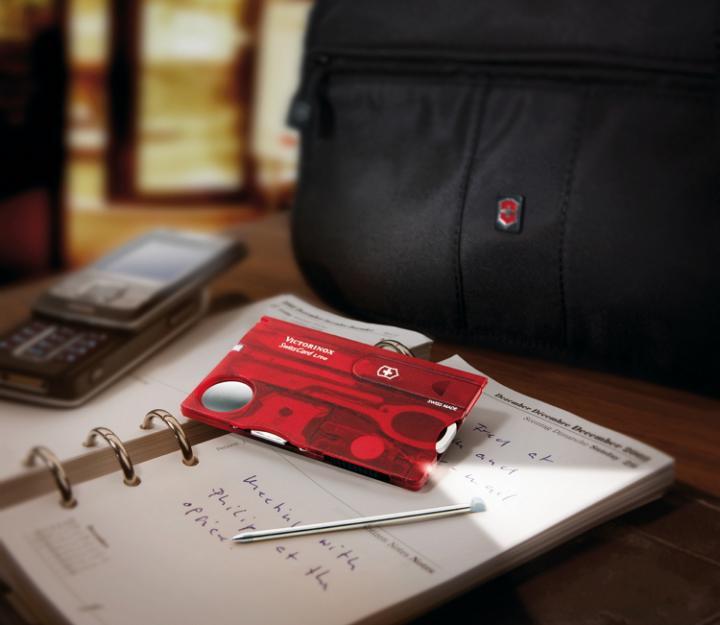 Victorinox SwissCard Lite, transparentno rdeč (0.7300.T)