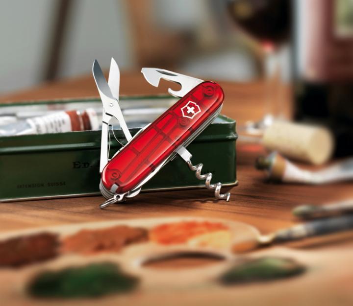 Victorinox švicarski žepni nož Climber, transparentno rdeč (1.3703.T)