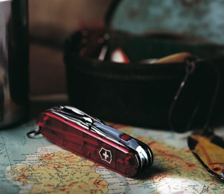 Victorinox švicarski žepni nož Spartan Lite, transparentno rdeč (1.7804.T)
